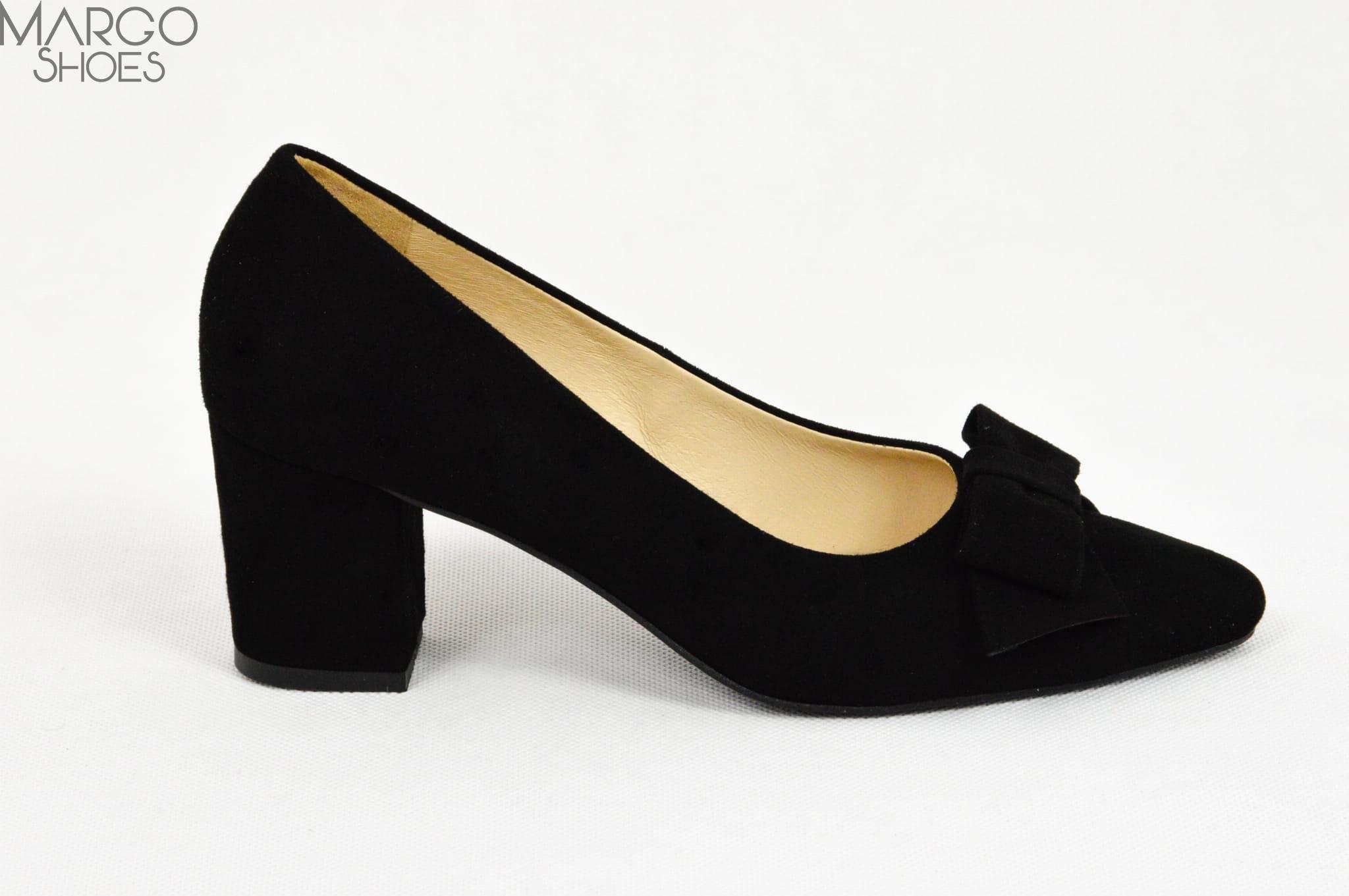 eb90fc9b MargoShoes czarne zamszowe czółenka z ozdobną kokardką na niskim ...