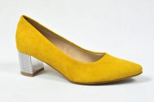 ed8fb748 MargoShoes żółte zamszowe czółenka na obcasie klocku ze skóry naturalnej  niski obcas 5 cm metalizowany obcas