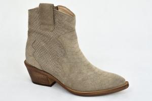 b5f6da4953c9d MargoShoes jasne cappuccino botki kowbojki buty kowboje niski obcas na  zamek skóra naturalna welur tłoczone imitacja