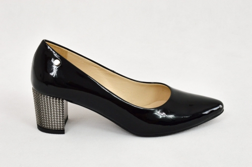 b97b195b MargoShoes czarne lakierowane czółenka w szpic ze srebrnym efektownym  obcasem klocku skóra naturalna lakier